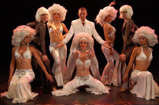 Costumes pro revue vari t maisons alfort 94700 for Danse classique maison alfort