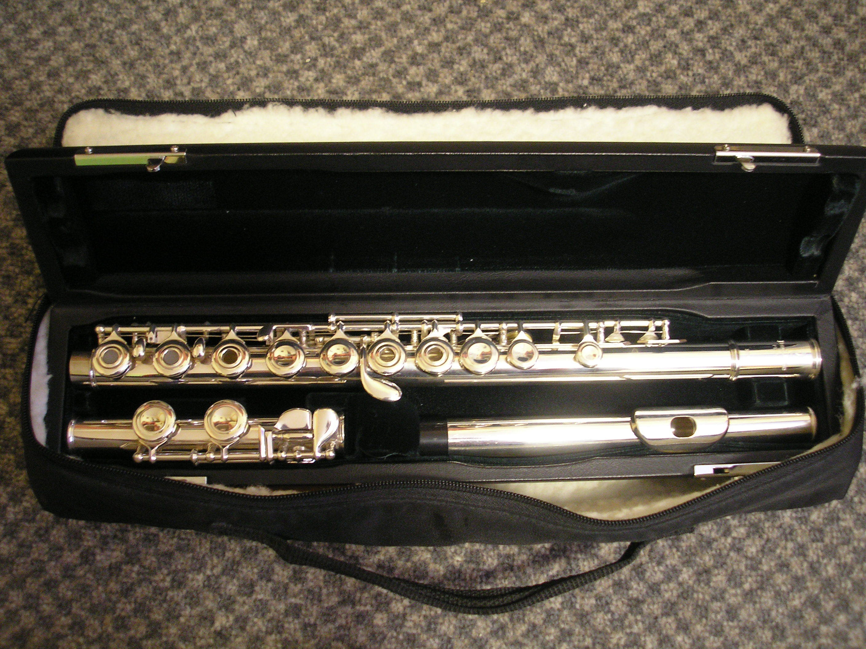Fl te traversi re pearl pf 501 neuilly sur marne 93330 for Housse flute traversiere